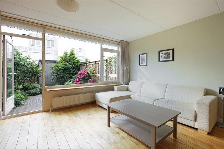 Woonkamer Ideeen Bruine Bank : ... woonkamer, ruime keuken, 2 royale ...
