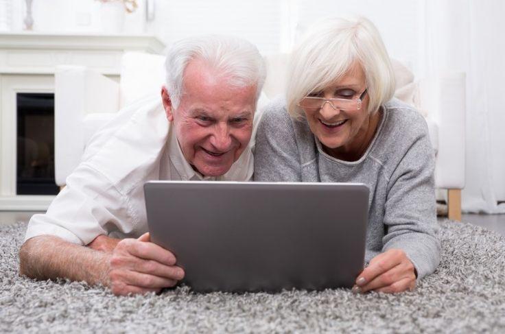 Terza età, anche  internet aiuta a  invecchiare bene