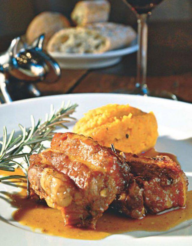 Travers de porc au miel et au romarin
