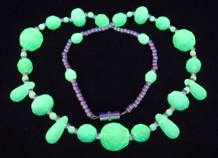 "16"" 410mm Czech Glass Beads Necklace Uranium MInt Green Vintage UV Glowing by MuchMoreThanButtons on Etsy"