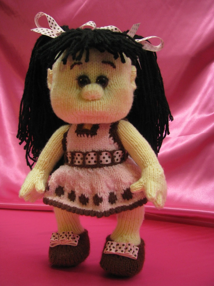 Knitted dolls: Abigail