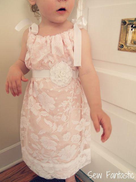 lace pillow case dress--with darling elastic belt. & 25+ unique Pillow dress ideas on Pinterest | Pillowcase dress ... pillowsntoast.com