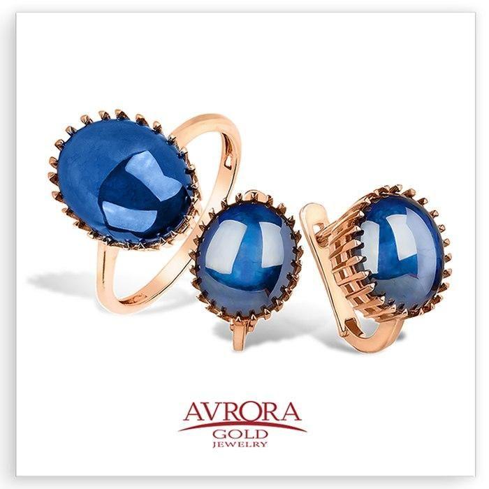 Если в вашем гардеробе преобладает одежда в оттенках синего – вы достаточно умны и независимы, часто ощущаете потребность в душевной теплоте и внимании. Вас отличает терпение, выдержка, сдержанность в эмоциях.  Психологи рекомендуют использовать синий цвет в одежде тем людям, которые подвержены частым сменам настроения, и непостоянству. Синий цвет помогает сосредоточиться на важных вопросах, настроится на принятие решений.  Те, кто выбирает для своего гардероба голубые и васильковые оттенки…