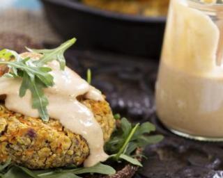 Steak végétarien aux lentilles et pois chiche : http://www.fourchette-et-bikini.fr/recettes/recettes-minceur/steak-vegetarien-aux-lentilles-et-pois-chiche.html
