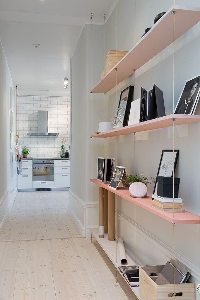 En inre hall förbinder köket med vardagsrummet
