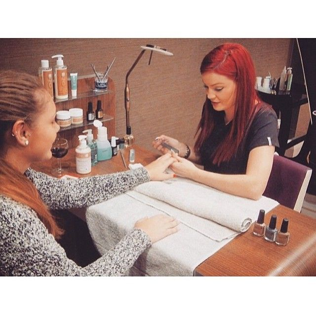 #TBT to when our #CND expert visited our #spa on our Christmas open night for complimentary CND treatments!  We have our full list of CND & VINYLUX manicures/pedicures on our website ... The link is in our bio  Nothing better than fresh CND right girls?!
