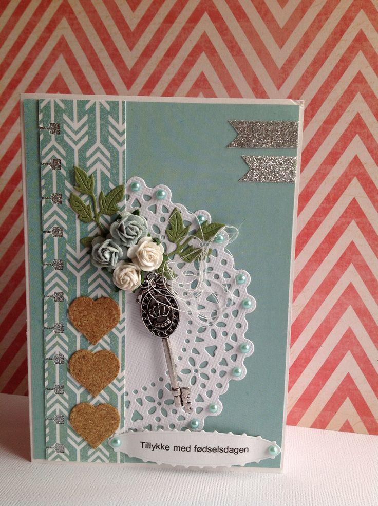 Nellie Snellen hearts, X-Cut vintage notes doily, Memorybox Palace Oval Frame, fødselsdagskort.