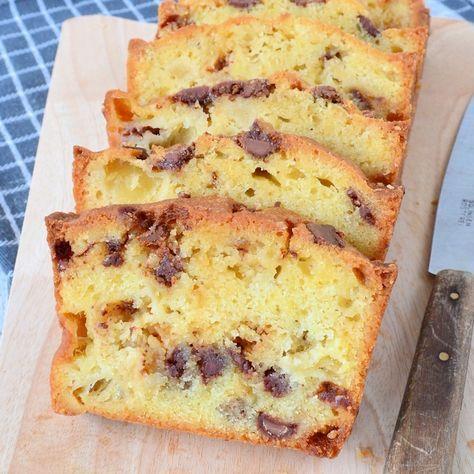 Vind jij een gewone appelcake maar saai? Maak dan deze appelcake met chocola en karamel! Deze smaken gaan perfect met elkaar samen in deze heerlijke cake.