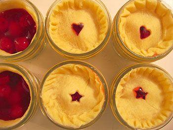 tiny pies in jars!