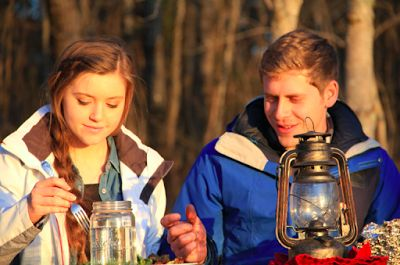 Austin Forsyth planned a romantic outdoor dinner for Joy-Anna Duggar following their recent engagement.