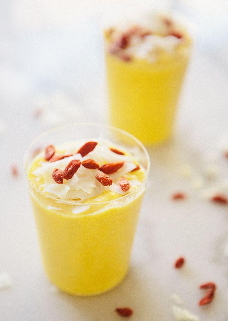 Mango Turmeric Smoothie #smoothie #recipe