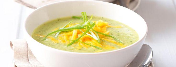 Cuketová polévka s čedarem