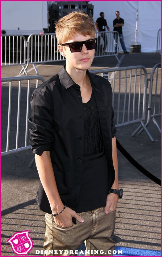 Photographer Hit By A Car And Killed Trying To Get Photos Of Justin Bieber's Ferrari