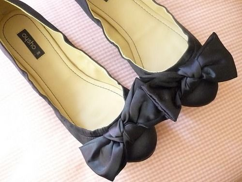 flats: Casual Shoes, Classy Bows, Flats Shoes, Ballet Flats, Black Flats, Big Bows, Fab Flats, Shoes Shoes, Bows Shoes