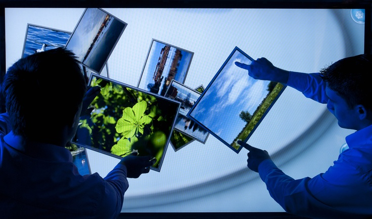New ultra large format multi-touch   projected capacitive touch technology