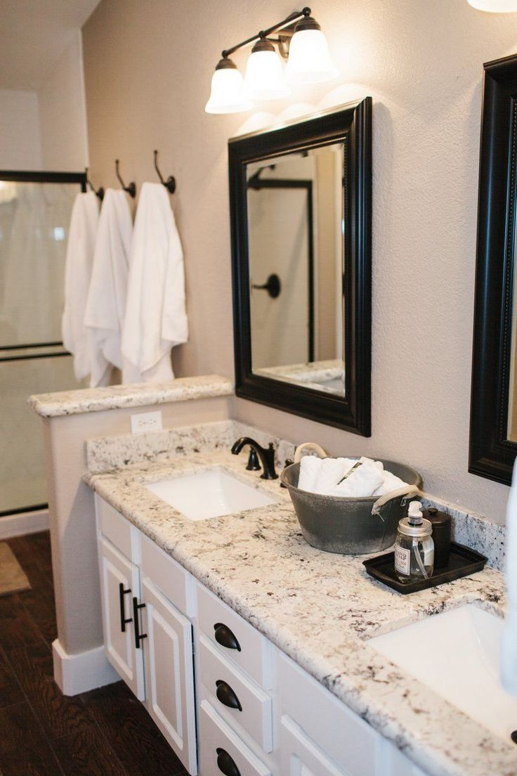 Our Bathrooms Dark Floors Gray Rugs White Cabs With Black Tops Or Fixtures Already Have Mirrors