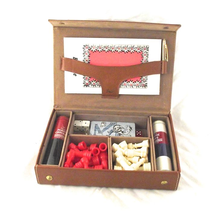 Multi Game Set, Vintage Griffon Set in Leatherette Case, Has Cowboy Cards, Checkers, Poker Chips, Dice, Chess Pieces and Bridge Score Pad by planetalissa on Etsy