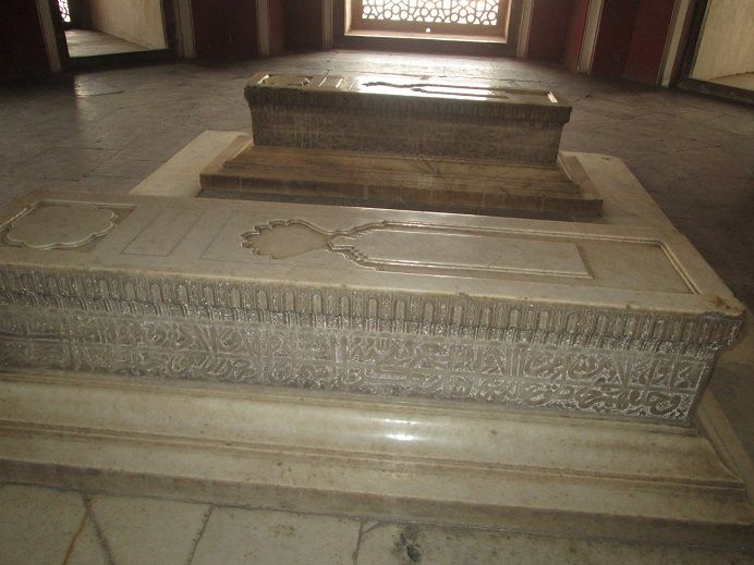 Dara Shikoh at Humayun's Tomb in Delhi