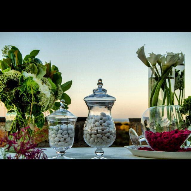 Sugar almonds table decoration