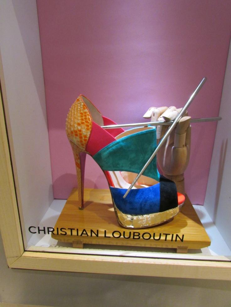 louboutin shoe sale fakes