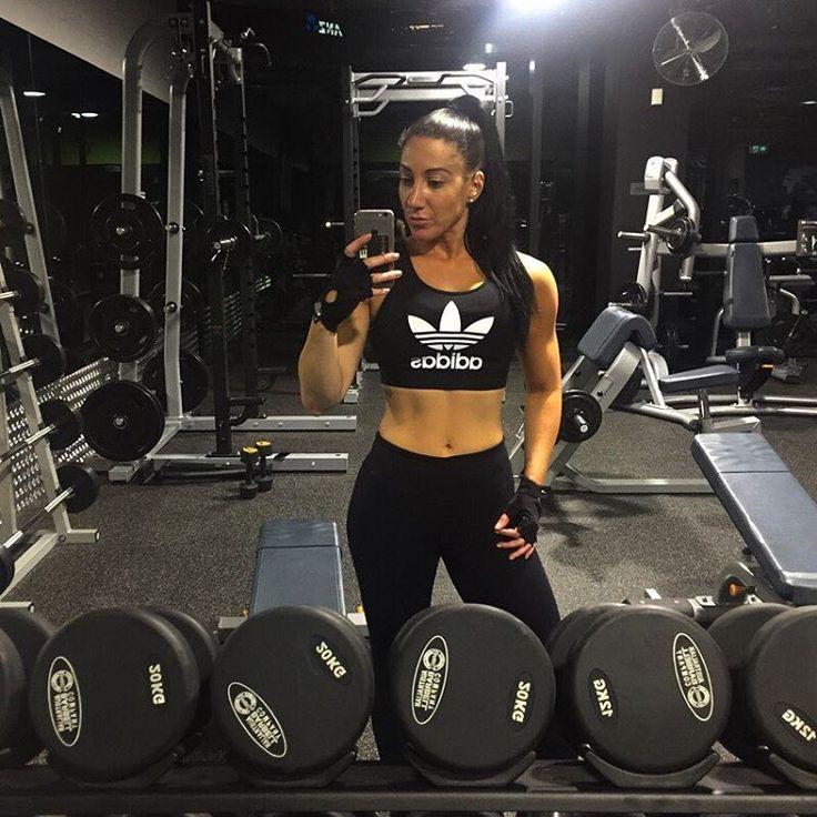 ����XTRA #youngabudhabi . . . #gym#f45#fitness#bali#cleaneating#fitspo#workout#transformation#southbank#kimkardashian#melbourne#fit#squats#healthy#bikinichallenge#la#london#boss#money#lux#hardcoreladies#lift#selfie#la#streetart#justmarried#wedding http://gelinshop.com/ipost/1521004815516656366/?code=BUbsdIyh2Lu
