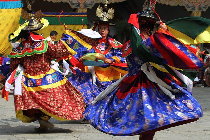 danza religioseCinese Tsechu di Punakha, La danza dei cappelli neri- Cerca con Google