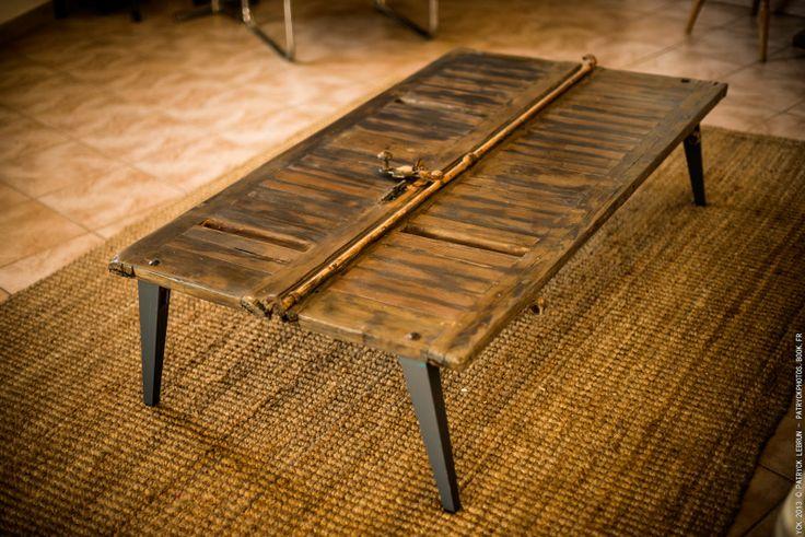 Table basse réalisés à partir de matériaux récupérés, bois ...