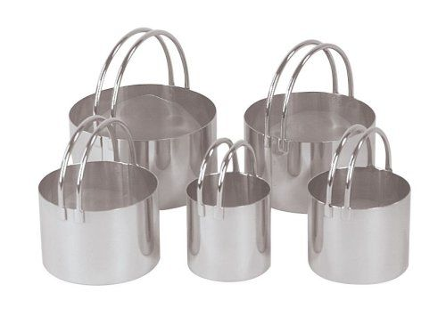 Fox Run 5-Piece Stainless Steel Biscuit Cutter Set Fox Run http://www.amazon.com/dp/B0000VLOWW/ref=cm_sw_r_pi_dp_sk5dub1V9AQ67