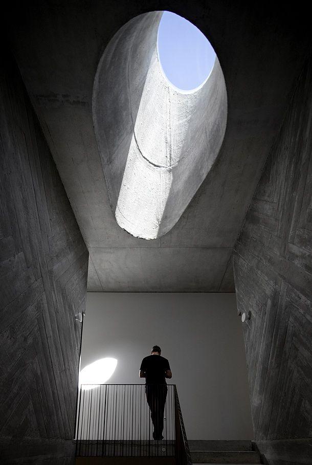 Casa do conto un proyecto con pasado y futuro por pedra for Casa minimalista definicion