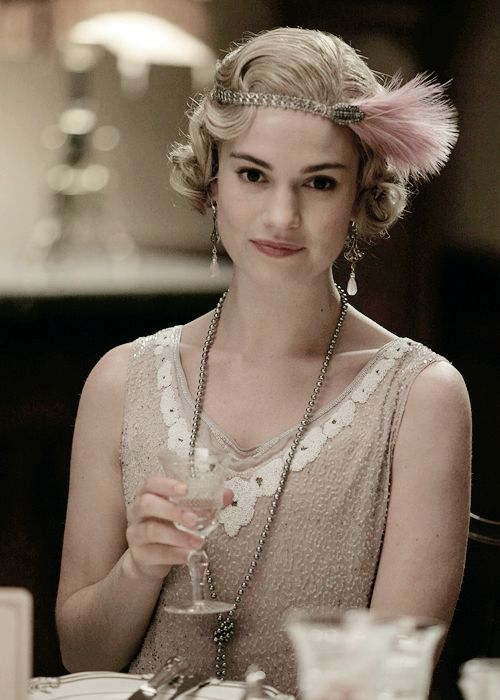 """lilyjamessource: """" """"Lily James as Lady Rose MacClare in Downton Abbey's Season 6 Christmas Special. """" """""""