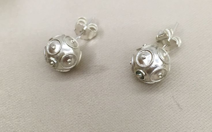 Viana Beads Earrings. Movement and connections! by AFMJewelryDesign on Etsy