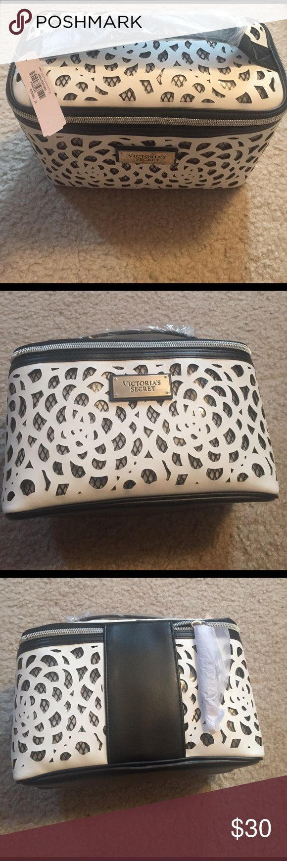 NWT Victoria's Sectret makeup bag Medium size, no trades please! Victoria's Secret Makeup