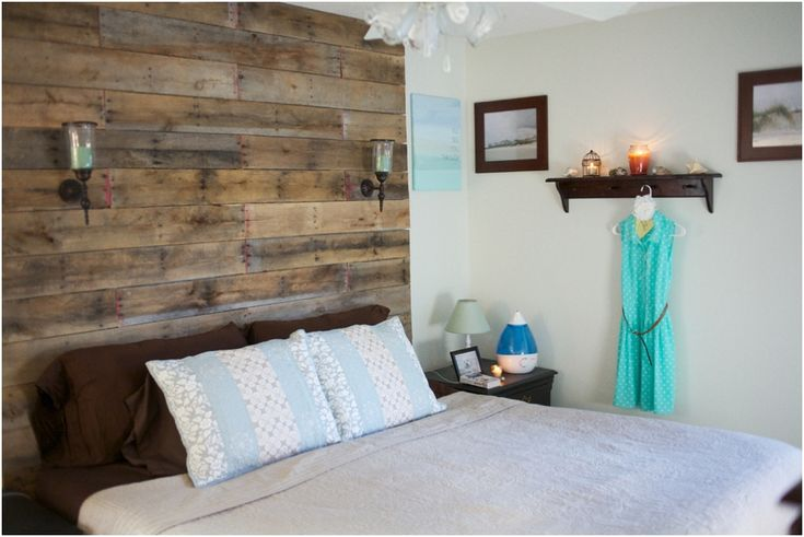 rustic wood pallet headboard - #diyprojects #bedroom #makeover