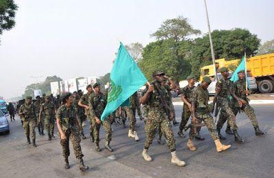 Welcome to Emmanuel Donkor's Blog            www.Donkorsblog.com: Immigration officers beaten at Assin-Akropong