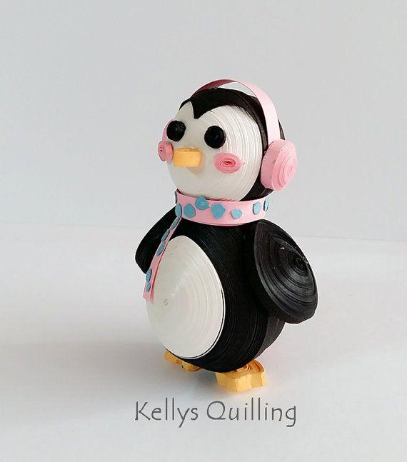 Papier 3D Quilling pingouin cadeau de Noël Matériel Ceux-ci sont tous fabriqués à la main par mes soins, les matériaux utilisés sont importés Yayoi papier de très haute qualité du Japon. Afin d'atteindre le plus grand effet possible, je préfère utiliser ce type de papier. C'est en raison de ses qualités inhérentes, résistantes, couleurs vives et éclatantes. À l'aide de ce que la matière première permet une belle présentation, convient très bien au lit utilisé pour des créations…