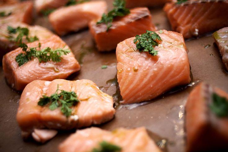 Τα τρόφιμα που αυξάνουν τη ροή του αίματος, την τόνωση των ορμονών ή ακόμη και όσα βοηθάνε τις μυϊκές συσπάσεις είναι υποψήφια για την επίμαχη λίστα.