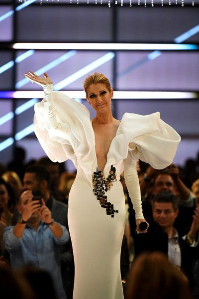 Celine Dion Photos Photos - Singer Celine Dion performs onstage during the 2017 Billboard Music Awards at T-Mobile Arena on May 21, 2017 in Las Vegas, Nevada. - 2017 Billboard Music Awards - Show