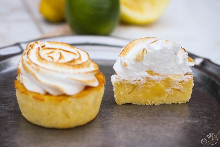 Cupcakes au citron, meringue et lemond curd