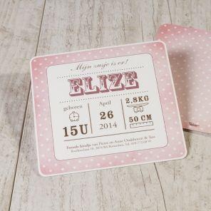Roze kaart met witte stippen en afgeronde hoeken | Tadaaz #typografie #geboortekaart #meisje