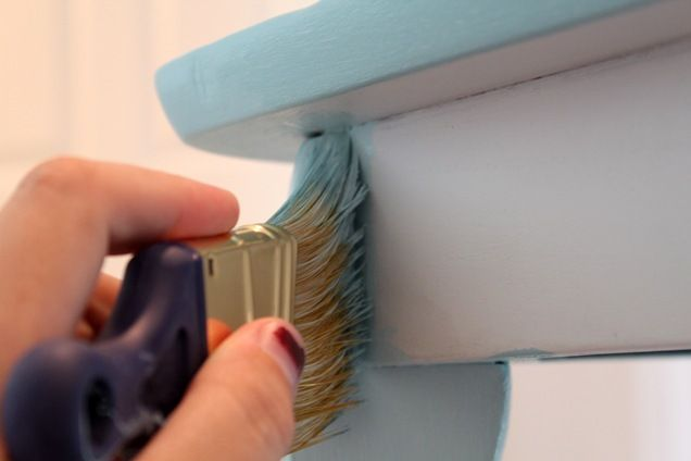 how to paint furniture---turquoise