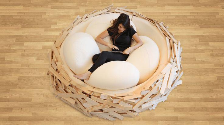 これは人をダメにする!雛の気持ちになれる「鳥の巣ソファ」