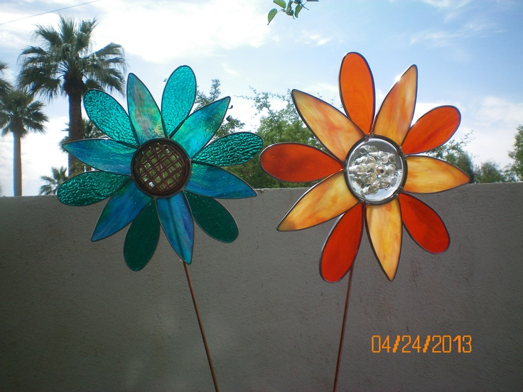 Stained Glass Garden Yard Art Stakes Using Glass Scraps And Repurposed  Floral Frogs As The Centers