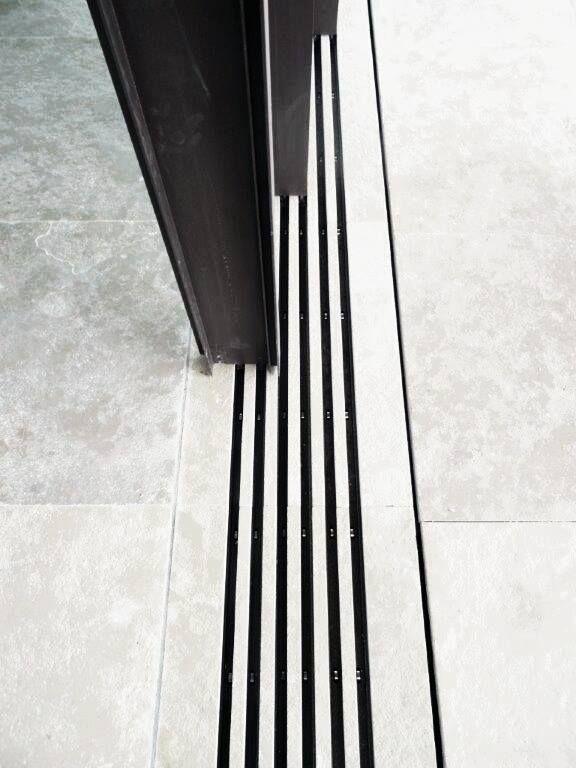 Vitrocsa: Invisible Frame www.vitrocsa.co.uk
