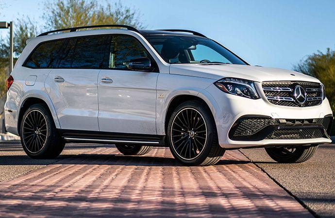 2019 Mercedes Benz Amg Gls 63 Is Absurd In The Best Ways Mercedes Benz Gl Class Mercedes Suv Mercedes Benz