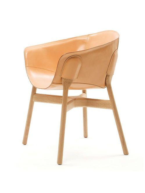Poltrona Estrutura de Madeira e Couro Designer: DING3000 / Discipline