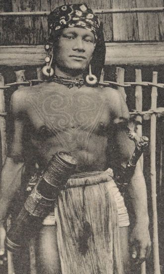 Bakatan warrior photographed near the Rejang River, sourced from http://www.vanishingtattoo.com/borneo_tattoos.htm #borneo #tattoo #sarawak