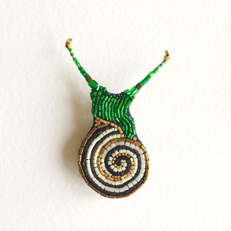"""брошь """"Улит"""" , выполнена на заказ, 7см ( японский бисер, стеклярус, гематит, латунь, лён, пластик)#peresvetti#брошь#улитка#вмиреживотных#vscojewelry#bijouxlovers#jewellerygram#brooch#bijouxdesign#designerlife#fashionstylist#fashionblogger#artdecoration#architect#дизайнер#фэшнблоггер#блоггер#подиум#etsywholsale#parisfashionweek#vogue#галлерея#выставка#современноеискусство#искусство#fineart#vintagestyle#joybijoux#бижутерия#антиквариат"""