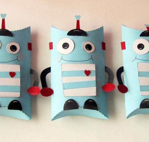 Robot Pillow Treat Boxes