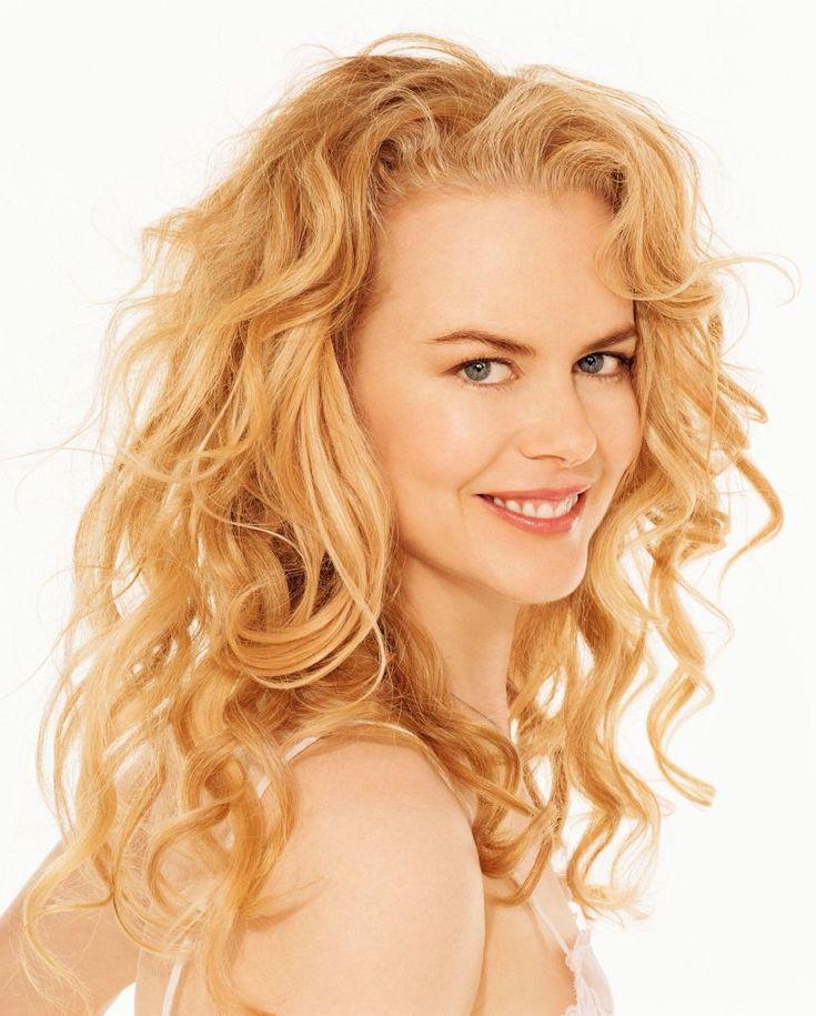 Celebrity Styles Women ‹ Joe Oliveri Hair Salons Nicole Kidman wavy layered long hair style/ cut
