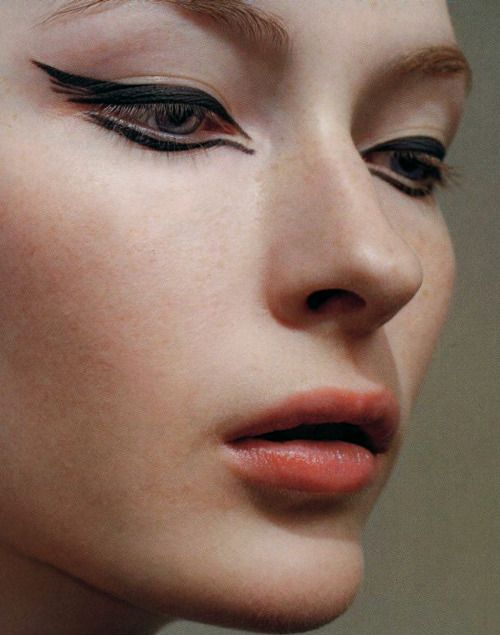 "makeupyourmood: "" 10 Magazine FW 2006 ""                                                                                                                                                      Plus"